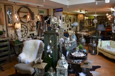 Welcome to Tang & Co Home Interiors at Debden Barns Saffron Walden. An eclectic mix of vintage and traditional style home, furniture and gifts.